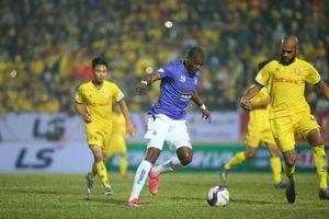 Cả V-League sững sờ nhìn Nam Định quật ngã Hà Nội tại Thiên Trường