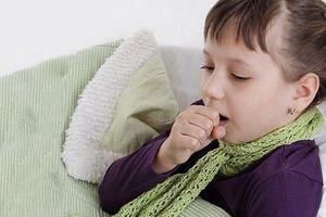 Cách chăm sóc trẻ mắc hen khi trời lạnh