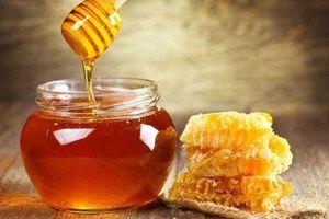 Mật ong vốn rất tốt, nhưng nhiều người đang sai lầm khi uống vào thời điểm này, chỉ thêm hại sức khỏe