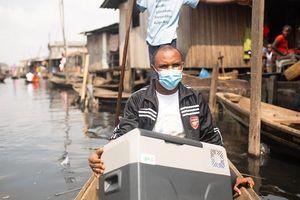 Ứng dụng công nghệ Mặt Trời trong việc phân phối vaccine ở châu Phi