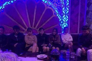 Hà Tĩnh: Bắt 7 đối tượng đang 'phê' ma túy trong quán karaoke