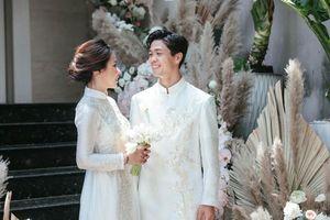 Hành động tình cảm của vợ chồng son Công Phượng - Viên Minh khiến dân tình phải ghen tị