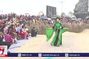 'Cô thợ may' miệt mài giữ hồn áo dài Việt