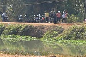 Tây Ninh: Buồn chuyện gia đình, người mẹ trẻ ôm 2 con nhảy cầu tự tử