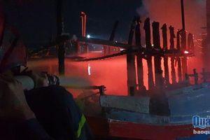Quảng Ngãi: Cháy tàu cá trong đêm