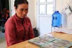 Bắt một phụ nữ trộm 400 triệu đồng trong quán tạp hóa