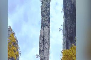 Cột đá cao 150 m ở Trung Quốc