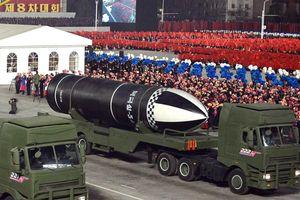 Vì sao Triều Tiên ra mắt 'tên lửa mạnh nhất thế giới' vào lúc này?