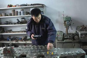 Chế tạo mô hình tàu sân bay bằng thép có thể điều khiển từ xa