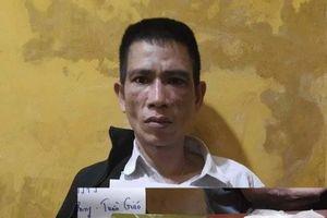 Hà Nội: Bắt giữ đối tượng giấu 2 bánh ma túy trong áo khoác mang đi tiêu thụ