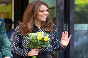 Công nương Kate Middleton mặc giản dị vẫn đẹp hút hồn