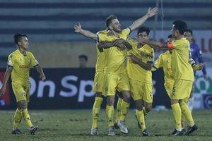 CLB Hà Nội thất bại ê chề ngày khai màn V-League 2021