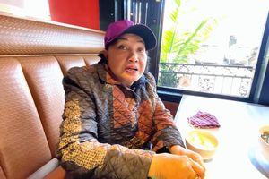 Nghệ sĩ Hồng Nga 'mắc kẹt' tại Mỹ, sống trong phòng chỉ 8 mét vuông