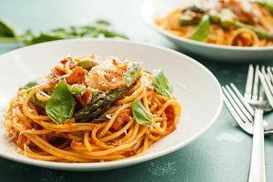 Cuối tuần làm mỳ Ý măng tây thơm ngon đúng điệu