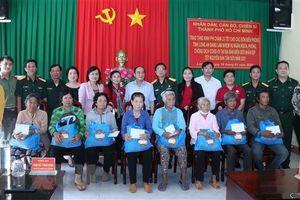 TP.HCM hỗ trợ đồng bào gặp khó khăn và Bộ đội Biên phòng tỉnh Long An