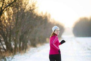 Sai lầm khi mặc áo cotton để giữ nhiệt trong mùa đông lạnh khắc nghiệt