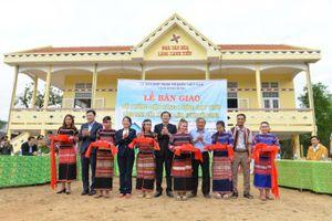 Cảng Quy Nhơn mang điện về làng nghèo Canh Tiến