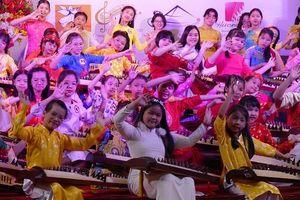 Gần 100 thí sinh tề tựu tại Liên hoan em yêu đàn tranh lần 3