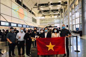Gần 300 chuyến bay đưa hơn 80 nghìn công dân Việt Nam về nước