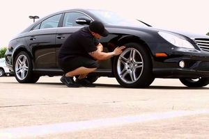 Kiểm tra lốp xe thế nào trước những chuyến đi xa