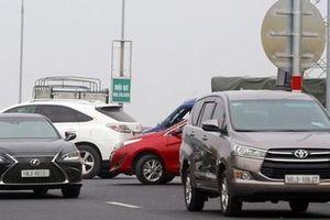 Tăng cường xử lý vi phạm giao thông trên cầu Thăng Long