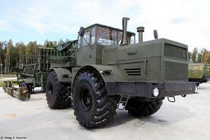 'Quái vật' TUM-150V của Nga trổ tài lắp đặt đường ống dẫn nhiên liệu
