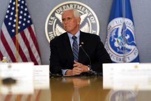 Ông Pence nói gì trong cuộc điện đàm đầu tiên với người kế nhiệm?