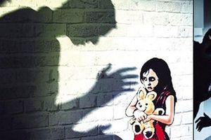 Bị bắt vì mua bán 'nàng tiên nâu', thiếu nữ lộ việc sinh con khi mới 15 tuổi