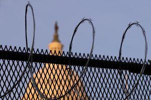 Hàng rào mọc lên khắp Washington D.C. trước ngày 20/1
