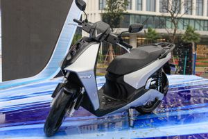 Chi tiết VinFast Theon - xe máy điện cạnh tranh với Honda SH