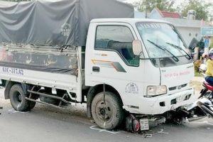Tài xế ngủ gật, xe tải tông nhiều người: Nữ sinh lớp 7 tử vong