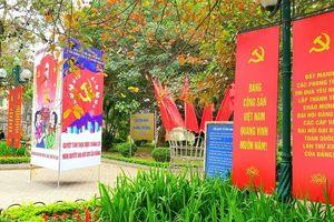 Hà Nội trang hoàng rực rỡ cờ hoa chào mừng Đại hội XIII của Đảng