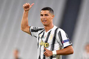 Ronaldo gia hạn hợp đồng thêm 1 năm với Juventus
