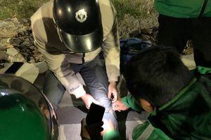 Chuyện về đội cứu hộ miễn phí xuyên đêm ở Hà Nội