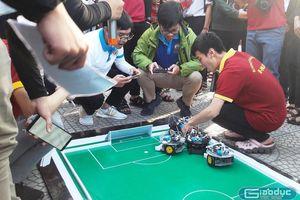 Chùm ảnh: Độc đáo sản phẩm công nghệ 'made by học sinh, sinh viên'