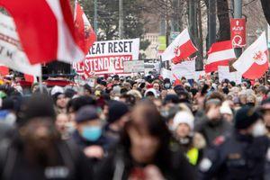 Áo: 10.000 người tuần hành phản đối các hạn chế do đại dịch COVID-19