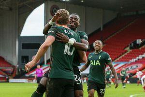 Hạ đội bét bảng, Tottenham trở lại Top 4 Ngoại hạng Anh