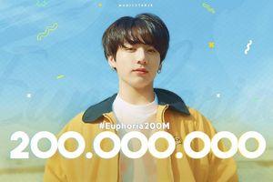 'Euphoria' đạt 200 triệu lượt stream, rinh về 2 kỉ lục mới coóng cho Jungkook và BTS