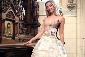 Nhà thiết kế may váy cưới, váy dự tiệc từ sách báo cũ