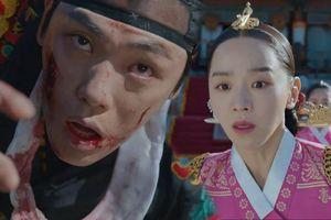 'Mr. Queen' tập 12: Shin Hye Sun đau đớn vì Kim Hyun Jung bị nổ chết do thuốc súng?