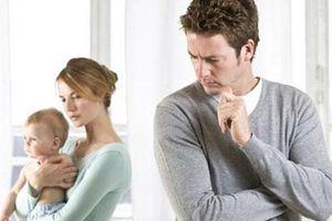 Hôn nhân bên vực thẳm vì thường xuyên 'quên chồng'