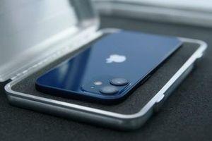 Nghiên cứu mới: iPhone 12 có thể gây ngừng máy khử rung tim