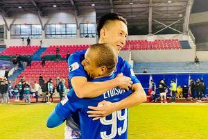 Ngược dòng quả cảm, Than Quảng Ninh giành trọn 3 điểm trên sân Hà Tĩnh