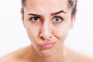 Cười nhiều gây nếp nhăn, làm thế nào để đối phó?