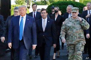 Quân đội Mỹ phá lệ, không làm lễ tạm biệt ông Trump