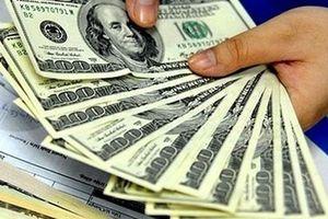 Tỷ giá trung tâm tăng, USD trên thị trường bất ngờ vọt cao