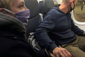 Chính khách đối lập Alexey Navalny bị bắt khi vừa về Nga