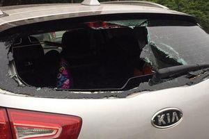 Điều tra vụ ôtô của cư dân nghi bị đập phá vì không gửi vào bãi