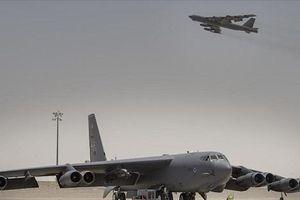 Bộ đôi 'pháo đài bay' B-52 Mỹ cất cánh để 'dằn mặt' Iran