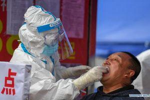Ca siêu lây nhiễm ở Trung Quốc: Nhân viên tiếp thị lây COVID-19 cho 102 người